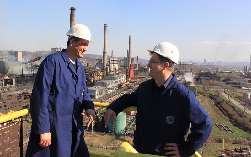 Elnedin Omerdić-direktor AMK fabrike (lijevo) sa Erminom Mujkićem-tehničkim direktorom